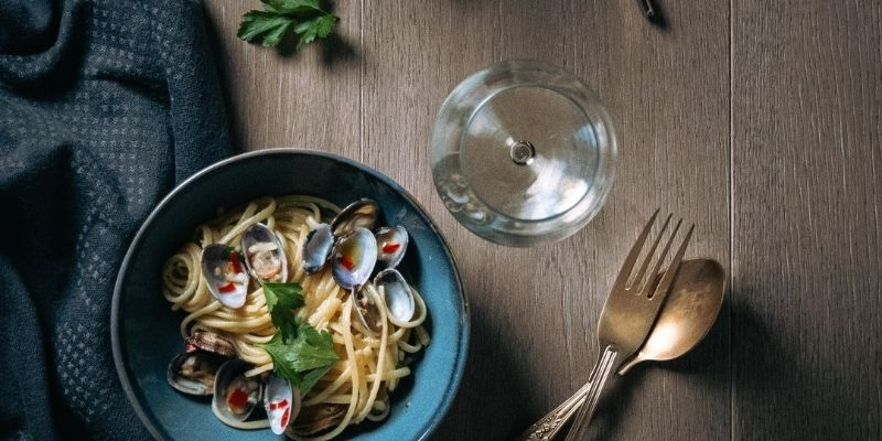 Pasta met venusschelpen food fotografie Op Mijn Talloor
