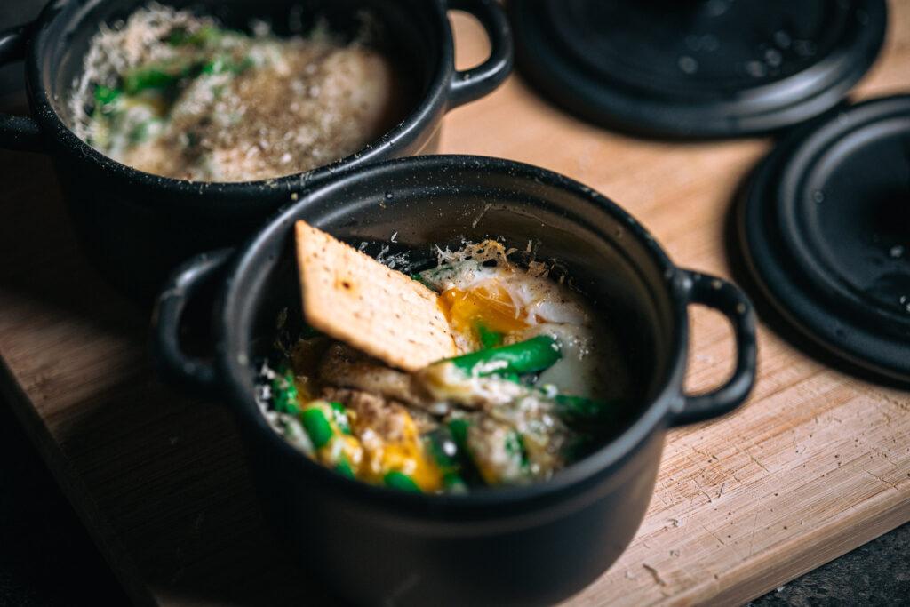 Eitje met asperges lunch - food fotografie Op Mijn Talloor