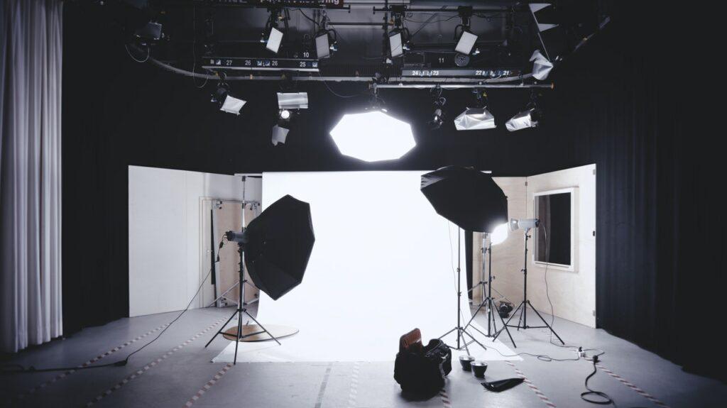 Studio met 3 softboxes voor fotografie